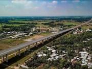 Le pont Vam Cong sur le fleuve Hau sera inauguré en fin mai
