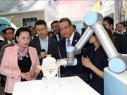 La présidente de l'AN Nguyen Thi Kim Ngan visite le parc scientifique de Zhongguancun
