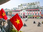Hanoï se pare des couleurs du drapeau pour accueillir le 13e Congrès national du Parti