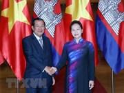 Entrevue entre la présidente de l'AN Nguyen Thi Kim Ngan et le PM cambodgien