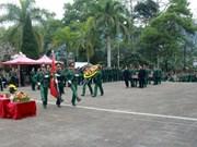 Ha Giang : inhumation des restes de 11 soldats au cimetière des morts pour la Patrie de Vi Xuyen