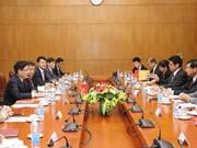 Vietnam-Laos: des expériences dans l'élaboration des politiques du développement socio-économique