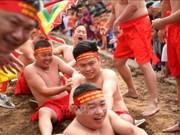 Réception du certificat de l'UNESCO pour le jeu de tir à la corde du temple de Tran Vu