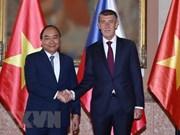 La presse tchèque: la visite du PM vietnamien crée une motivation à la coopération bilatérale