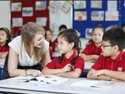 Des étrangers à propos de la Journée des enseignants du Vietnam