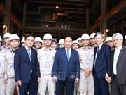 Le PM assiste aux cérémonies de lancement des projets économiques importants à Thai Binh