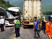 Un accident sur la route menant au tunnel de Hai Van fait 13 blessés
