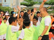 Football : l'entraîneur Park Hang-seo apporte le programme « Donner du rêve » aux enfants à An Giang