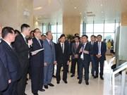 Des responsables de la RPDC au complexe de recherche de Viettel et à Dan Phuong