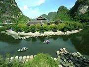 Des journalistes étrangers impressionnés de la beauté du complexe paysager de Trang An
