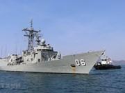 Deux navires de la Marine royale australienne en visite au Vietnam