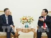 Le vice-Premier ministre Vuong Dinh Hue reçoit le vice-président du groupe Nike