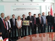 Le Vietnam promeut l'échange d'informations extérieures avec la Biélorussie et l'Estonie