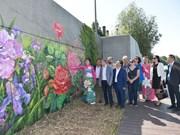 Une fresque murale célèbre l'amitié Vietnam-France