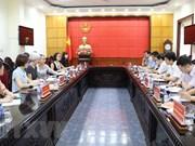 Echanger des informations sur la mission consulaire à Ninh Binh