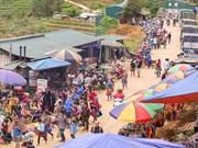 Le marché forain de Can Câu, un trait culturel éminent de la province de Lào Cai
