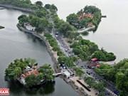 Thuy Trung Tien, un temple millénaire au milieu du lac Truc Bach
