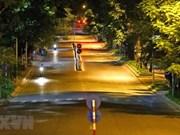Les rues nocturnes de Hanoï plus tranquilles durant la période de distanciation sociale