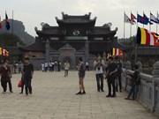 Les journalistes étrangers explorent Ninh Binh après le Sommet de Hanoi