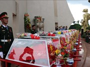 Les restes de 17 soldats volontaires inhumés à Dak Lak