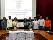 La communauté vietnamienne au Myanmar assiste des sinistrés locaux des inondations