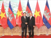 Le PM cambodgien en visite officielle au Vietnam