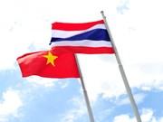 Félicitations des dirigeants vietnamiens pour la Fête nationale thaïlandaise