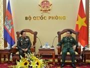 Renforcement de la coopération dans la défense Vietnam-Cambodge
