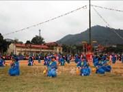 """La fête de """"Lông tông"""" attire les foules à Tuyên Quang"""