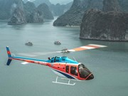CNN Travel : Faire un vol en hélicoptère au-dessus de la baie d'Ha Long est une nouvelle expérience