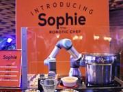 Rencontrez Sophie, le robot qui cuit les nouilles singapouriennes