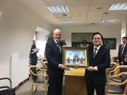 Le Vietnam et le Royaume-Uni souhaitent renforcer leur coopération en matière d'éducation