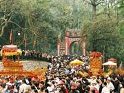 Des Vietnamiens au Laos organisent une cérémonie en l'honneur de la fête des rois fondateurs Hung