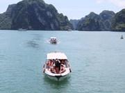 Fête des rois Hung : afflux de touristes en baie d'Ha Long