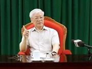 Le SG du PCV et président Nguyên Phu Trong à une réunion avec les dirigeants du pays