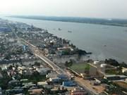 Can Tho et Vientiane renforcent leur coopération