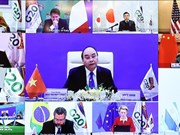Le Premier ministre Nguyen Xuan Phuc assiste au Sommet virtuel du G20