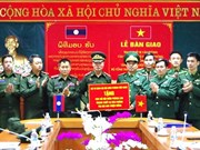 Le Vietnam offre des équipements à la force de gardes-frontières du Laos