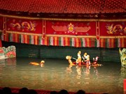 Les marionnettes sur l'eau du Vietnam impressionnent le public