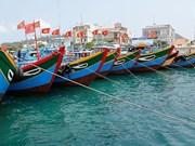 Très animé port maritime de l'île de Ly Son