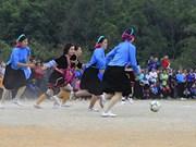 Des filles de minorités ethniques disputent chaque année un tournoi de football à Quang Ninh