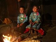 Les enfants des zones montagneuses du Nord-Ouest portent des couleurs printanières