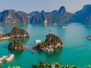 La baie d'Ha Long, destination de croisière parmi les plus photographiées au monde