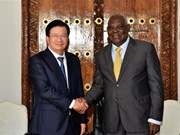 Le vice-PM Trinh Dinh Dung rencontre le PM tanzanien
