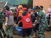 Indonésie : au moins deux morts, des dizaines de disparus dans un glissement de terrain