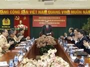 Têt : Le vice-Premier ministre permanent rend visite au ministère de la Sécurité publique