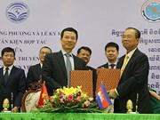 Vietnam et Cambodge signent trois accords dans les postes, télécommunications et TIC