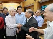 Le secrétaire général et président Nguyen Phu Trong rencontre des électeurs de Hanoï
