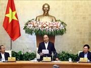 Le PM Nguyen Xuan Phuc préside la réunion du gouvernement de novembre