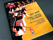 Une Italienne présente son livre sur la gastronomie vietnamienne